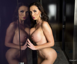 Nikki Benz - Tonight's Girlfriend