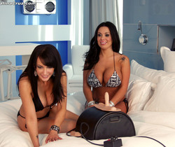 Catalina & Sienna West ride the Sybian and suck some dick