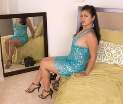 Isabella de la Cruz - Lick Her Through Her Hose - Leg Sex