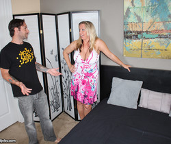 Amber Lynn - My Abusive Step Mom - Over 40 Handjobs