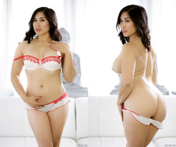 Mia Li - Pho King Asians