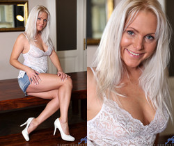 Kathy Anderson - Stunning Beauty - Anilos
