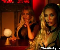 Alix takes some sexy pics with Nicole Aniston - Alix Lynx