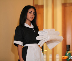 Aysha - Clean towels, filthy money - CumLouder