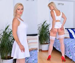 Kirsten Klark - Busty Babe - Anilos