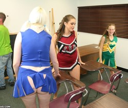 Hailey, Barbi - Cheerleader Handjob Competition - ClubTug