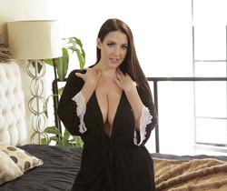 Angela White, Ryan Driller - Bountiful Breasts - S4:E2