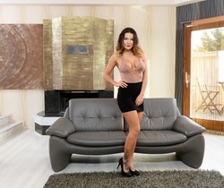 Vanessa Decker - The Beauty & The Dick - 21Sextury