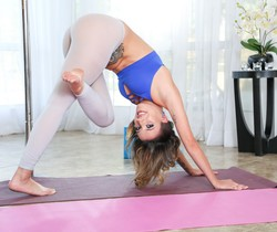 Sophia Grace - Flexible Sophia's Anal Contortion