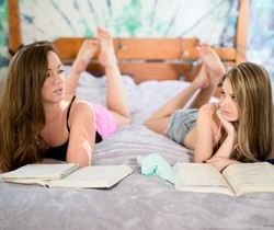 Maddy OReilly, Scarlett Sage - Practice Makes A Happy Ending