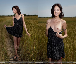 Field Of Gold - Sabrina G. - Femjoy