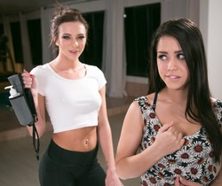 Tiffany Watson, Alina Lopez - She Isn't a Masseuse!