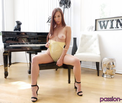 Aidra Fox - Coming Home - Passion HD