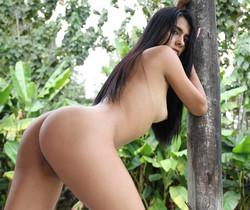 Latina Beauty - Valery - Watch4Beauty