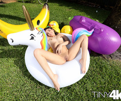Harmony Wonders - Poolside Dildo - Tiny 4K