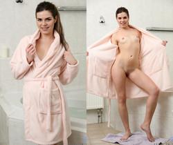 Sarah Smith - Bubble Bath - Nubiles
