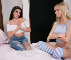 Darcie Dolce, Kenzie Reeves - The Broken Bed - Girlsway