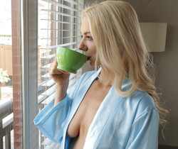 Molly Mae - Drink You In - S28:E18 - Nubile Films