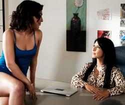 Amara Romani, Raven Hart - Family Secrets - Mile High Media