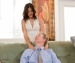 Kendra Spade - Babysitter 13 - Part 1: Back In The Game