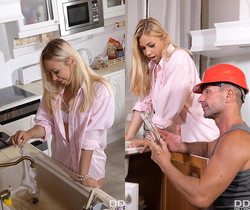 Selvaggia - Drilled With Glass Dildo