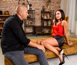 Cassie Del Isla - My Shrink Fucks The Shit Out Of Me