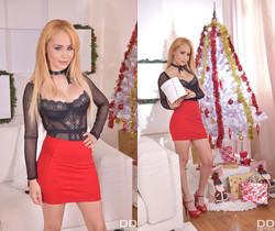 Natasha Teen - Kinky Xmas Threesome