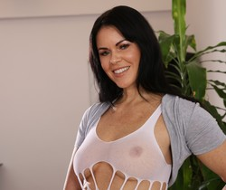 MILF Julia Black orgasms with golden vibe - Wet and Puffy