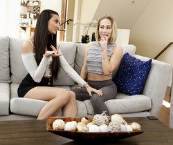 Carter Cruise, Eliza Ibarra - On A Budget - Fantasy Massage