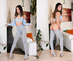Harmony Wonder - Pantyhose Model: Blowjob & Anal Gaping