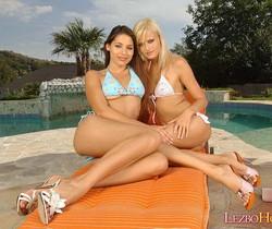 Horny Lesbians Sophie Paris & Zafira - Lezbo Honeys
