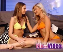 Pussy Licking with Jenny Sanders & Djiana