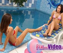 Mya Diamond & Jennifer Eating Pussy