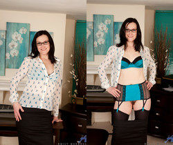 Emily Marshall - Naughty In The Workplace