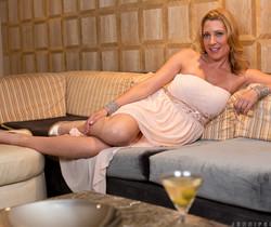 Jennifer Best - Classy And Playful