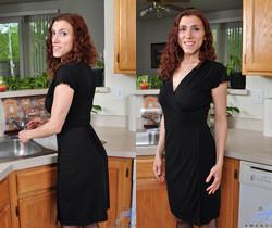Amanda - Naughty Housewife