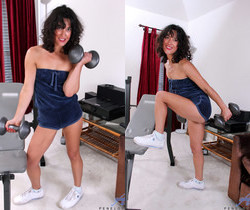 Penelope - Sexy Workout - Anilos