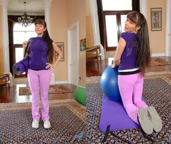 Alexandra Silk - Cameltoe Workout