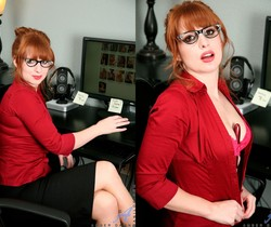Amber Dawn - Red Toy - Anilos