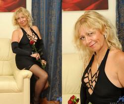 Sara Lynn - Elegant - Anilos