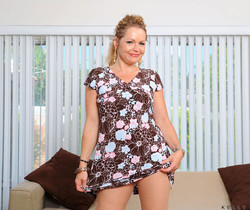 Kelly Leigh - Sexy Dress - Anilos