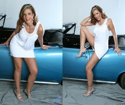 Victoria - Blue Car - Anilos