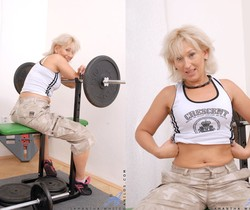 Samantha White - Gym Workout