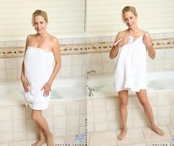 Payton Leigh - Bathroom Moms