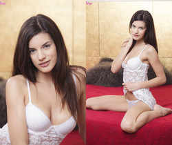 Candice Luca Gets Horny As Soon As She Gets Up