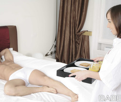 Breakfast In Bed - Tina Hot And Totti