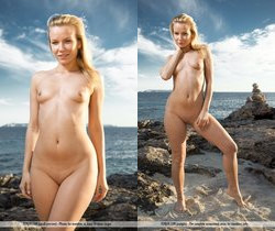 Postcards - Junia - Femjoy