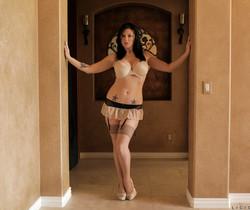 Licious Gia - Sexy Lady - Anilos