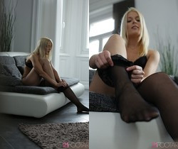Cock and toes - Sweet Cat