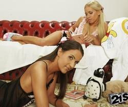 Kiara Lord & Adriana - 21Sextreme